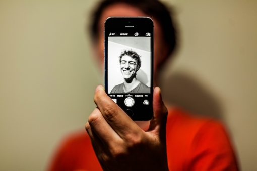 selfie blanco y negro