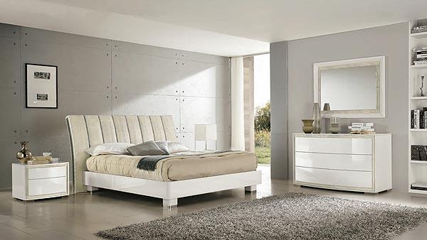 Puro ed essenziale arredare la camera da letto con il Bianco