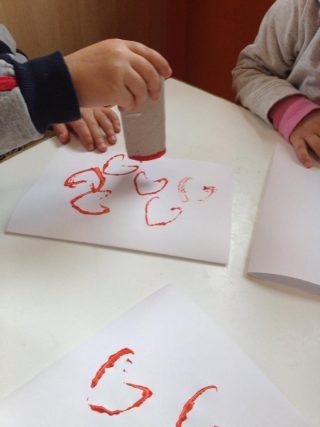 Lavoretti per san valentino con la carta per bambini piccoli  Ecomamma