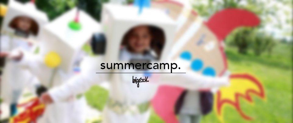 Campi estivi di video e effetti speciali per bambini