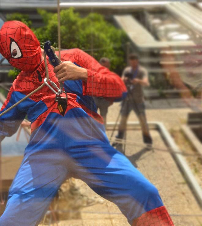 Superman e Spiderman all'Ospedale Bambino Gesù