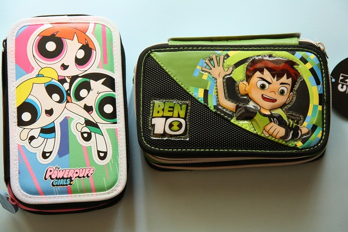 Astucci di Ben 10 e Powerpuff Girls. Ecco come sono all'interno!