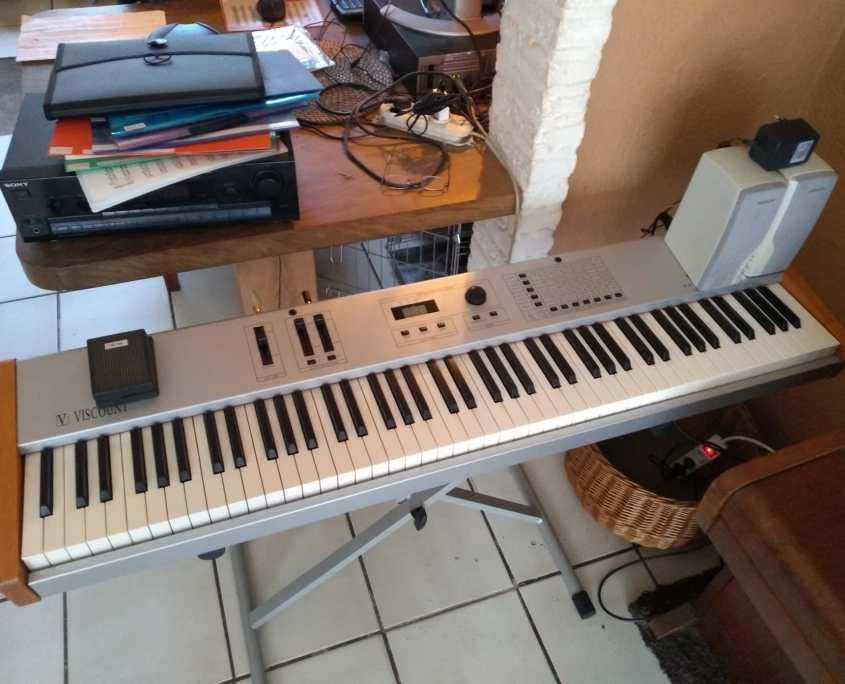 Viscount piano