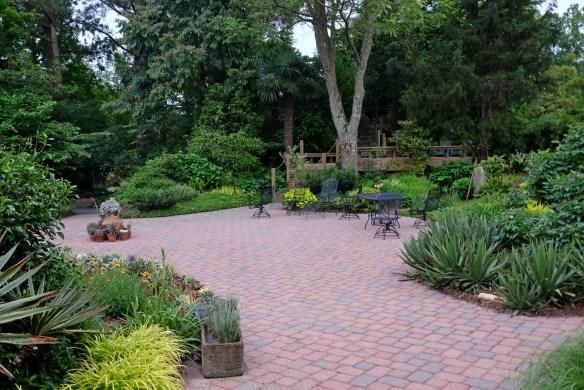 2016-9249-patio-garden