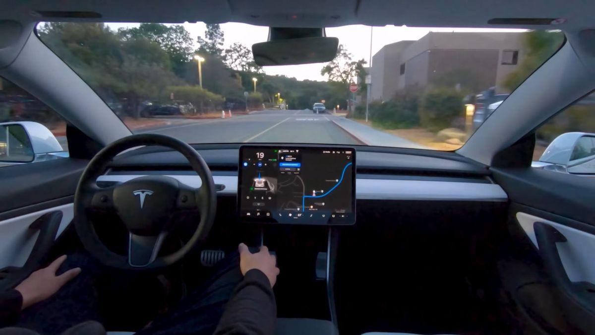 """Mode """"autopilote"""" d'une voiture Tesla"""