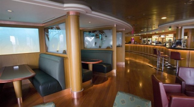 Travelling by Ferry: On Board Bar P&O Ferries