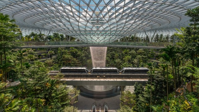Jewel-Changi-Airport-facets