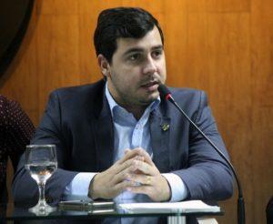 renan maracaja 300x246 - APÓS VIGILÂNCIA DA PF: vereador de Campina Grande presta depoimento e alega inocência em esquema de fraude