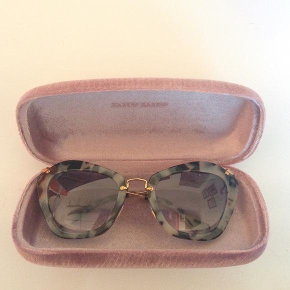 062515_road trip_sunglasses