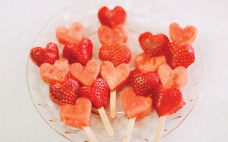 ValentinesDayBreakfast-FruitKabobs