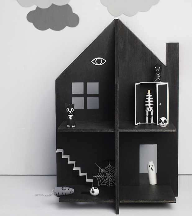 MrPrintablesDIYHauntedDollhouse