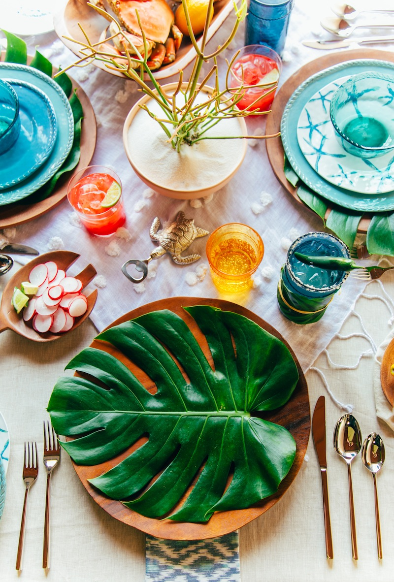 Tropical Place Setting Summer Party