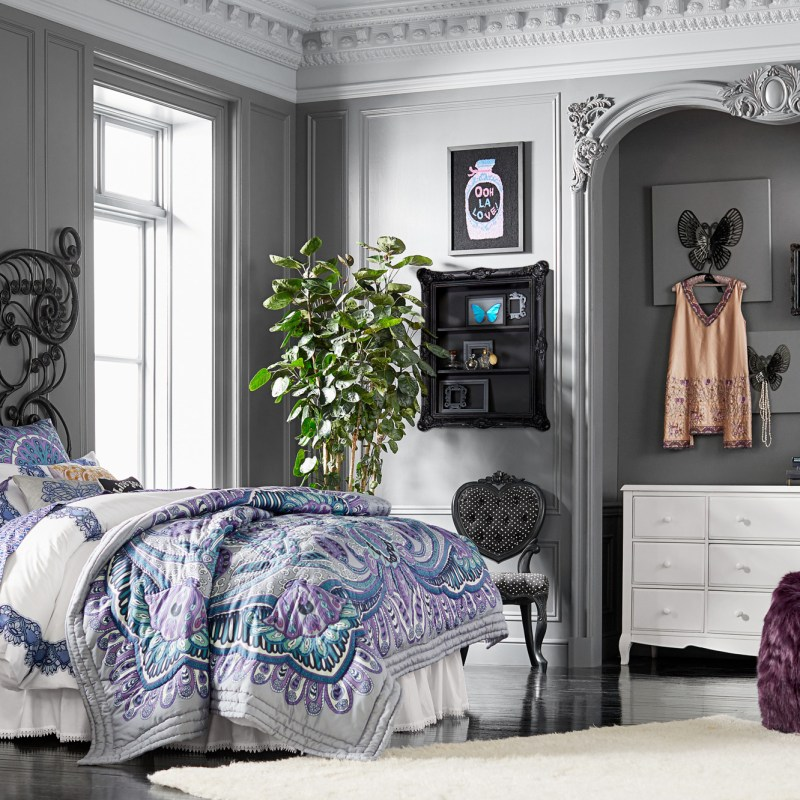 pottery barn page 3 of 239 inside out. Black Bedroom Furniture Sets. Home Design Ideas