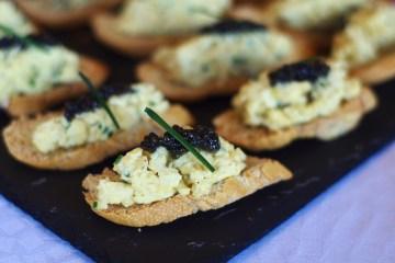 recette-oeufs-brouilles-caviar