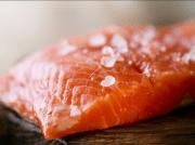 Comment faire le saumon fumé sans fumoir ?