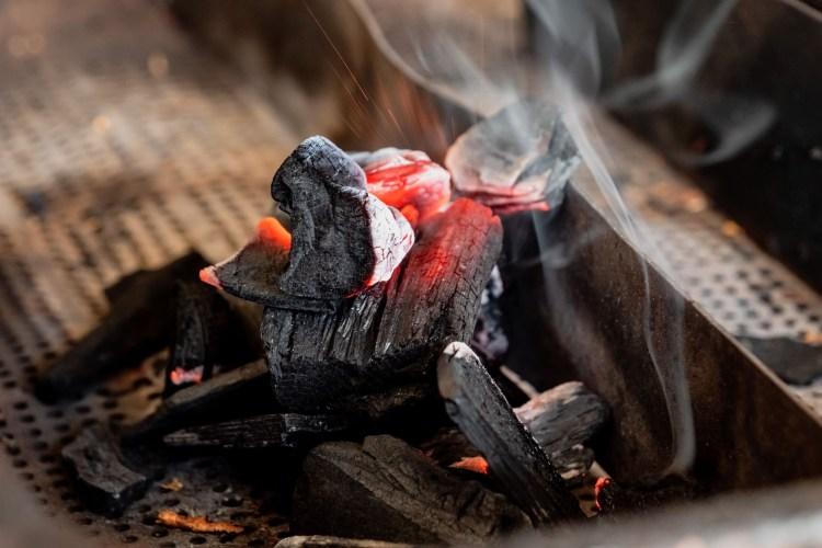 fumage charbon maison matthieu