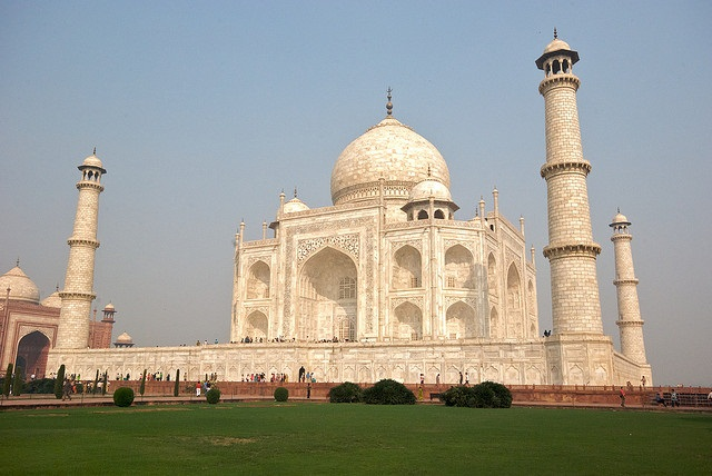 Taj-Mahal-Romantic-places-in-India