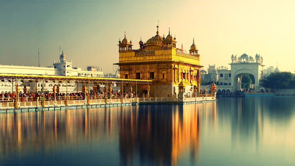 Golden-Temple-At-Morning