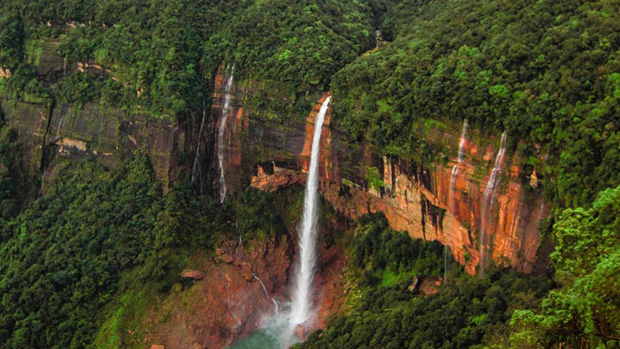 Waterfall-Hoping-Meghalaya