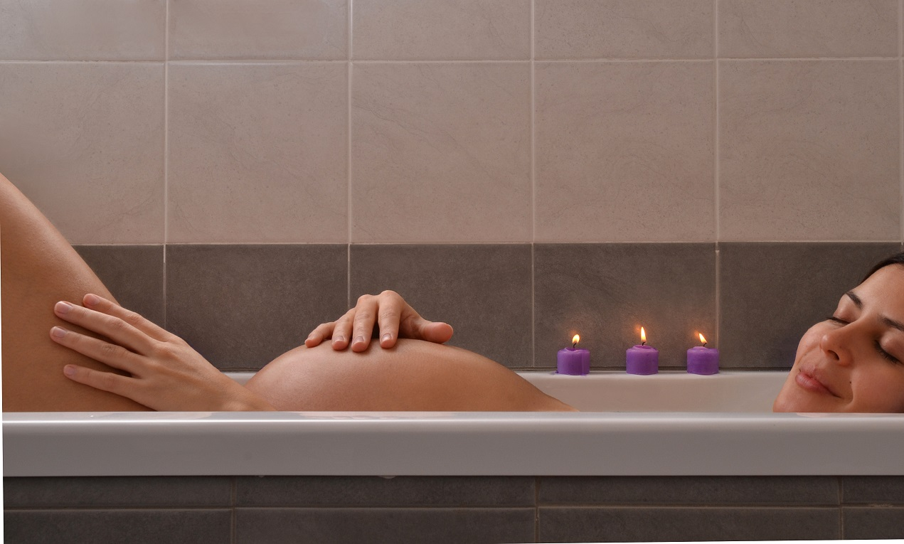 The Amazing Benefits of Taking Baths During Pregnancy