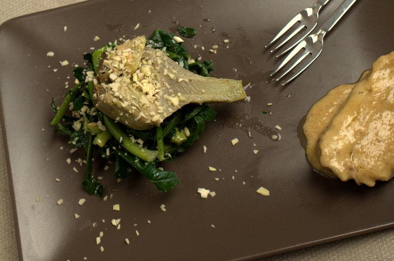 Broccoli Fiolari e carciofi con pesto di mandorle