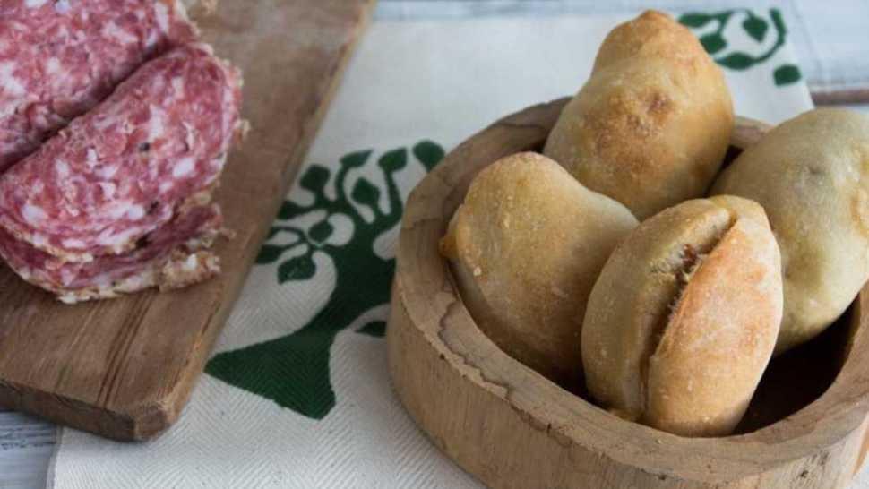 panzerotti al forno ripieni di asiago e sopressa veneta
