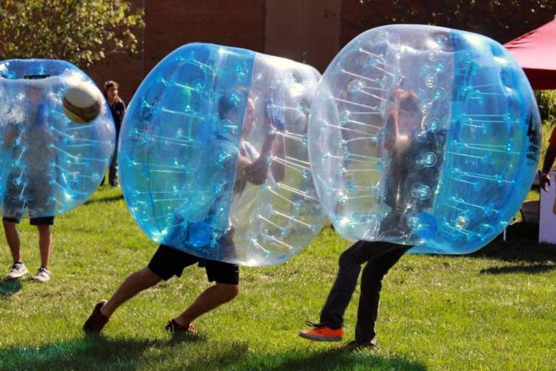 bubble soccer scontro