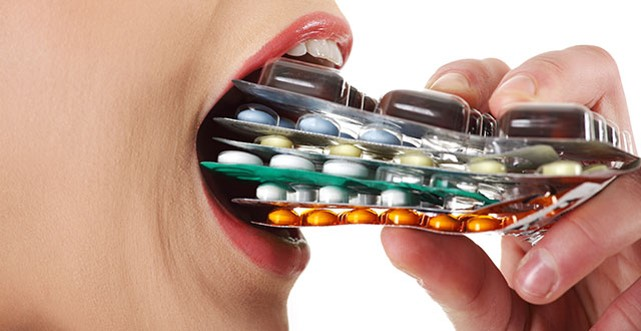 ¿Es seguro comprar medicamentos con recetas falsas?