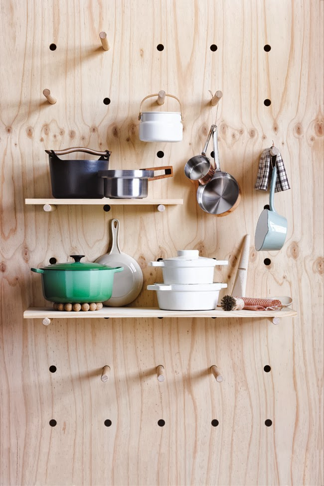pegboard kitchen country style cabinets present correct 31 10 2013