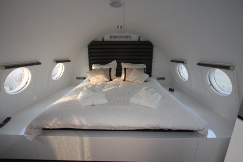 Airplane Suite 4