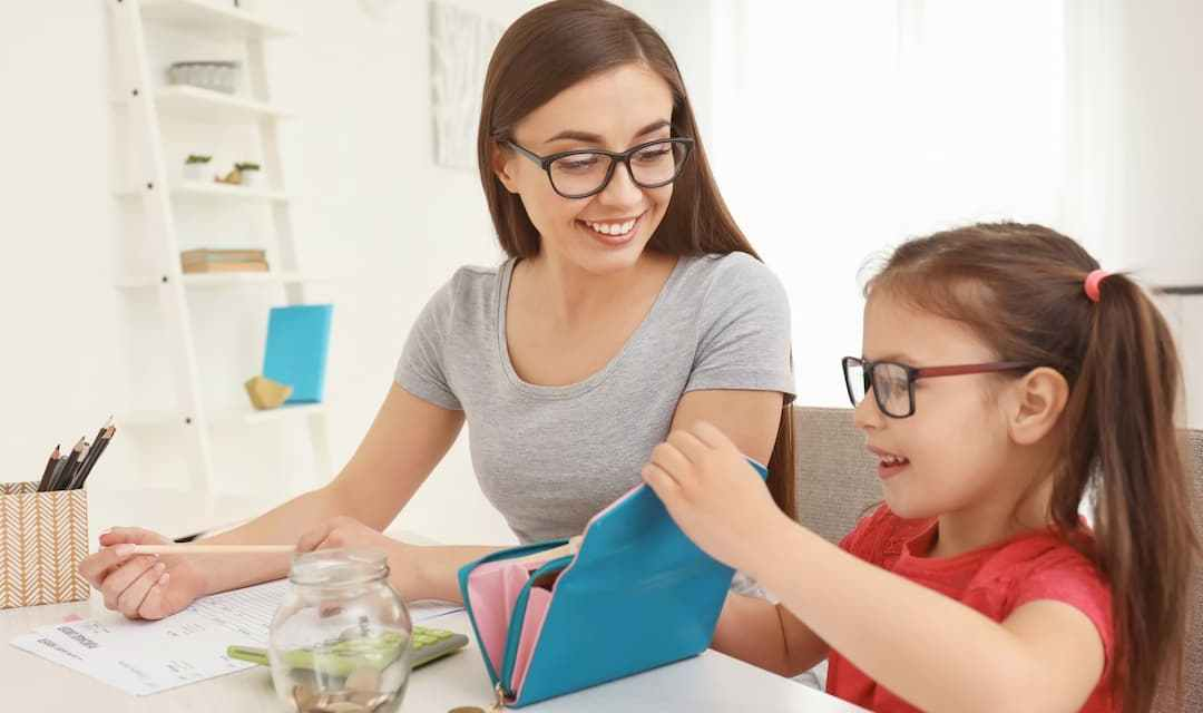 10 Important Money Lessons to Teach Kids