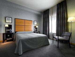 Hotel Macia Real De La Alhambra 4*
