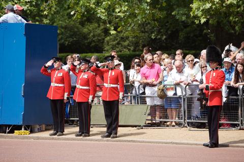 desfile guardia real en Londres