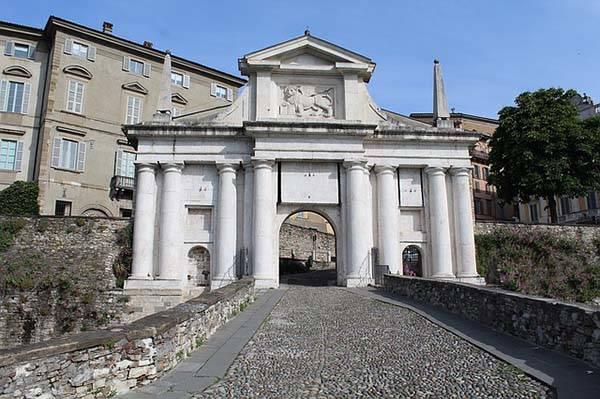 Puerta de San Alejandro en Bérgamo