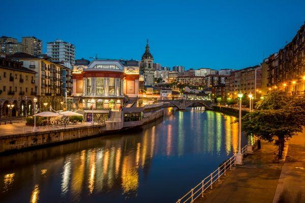 Bilbao de noche en dos dias