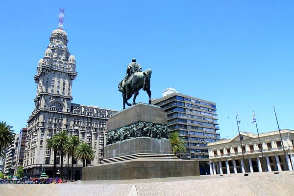 Plaza de la Independencia de Montevideo