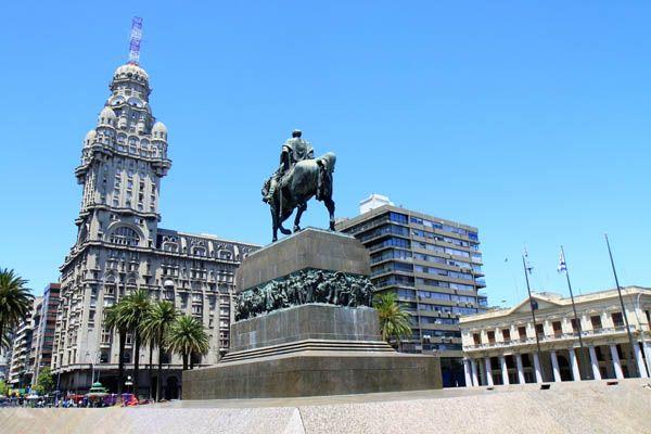 Plaza de la Independencia de Montevideo