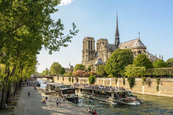 Bateaux Mouche en el Sena