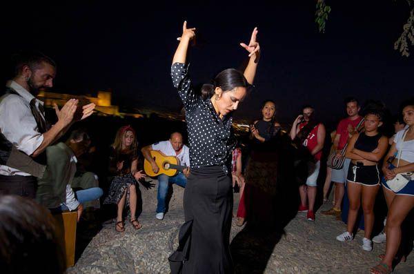 Espectáculo flamenco en el Sacromonte