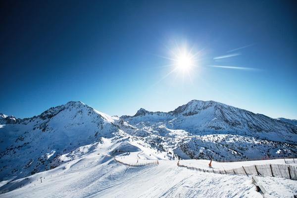 Andorra con niños en la nieve