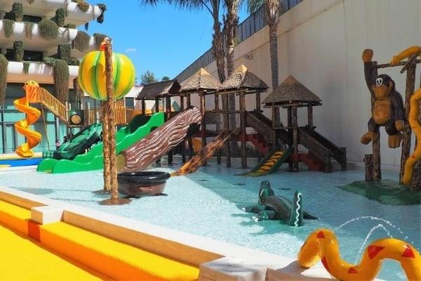 Deloix Aqua Center- Hoteles con toboganes en Benidorm