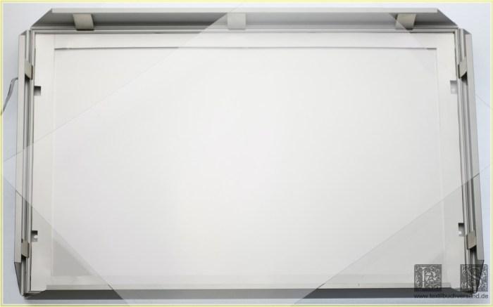 Durchblick geöffneter Rahmen