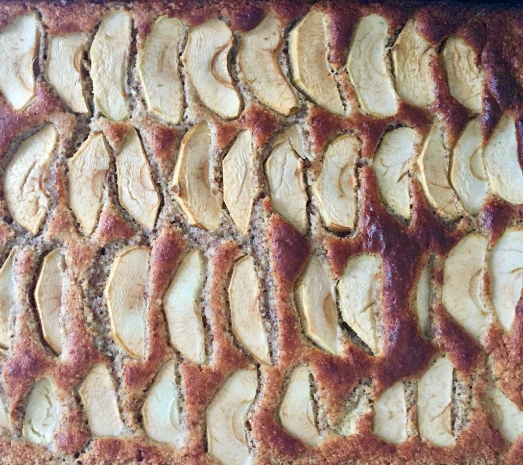 low carb apfelkuchen schmeckt warm besonders gut