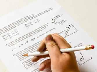 أسئلة الامتحانات