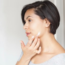 http://blog.reneerouleau.com/acne-prone-skin-here-are-five-mistakes-you-dont-want-to-make/