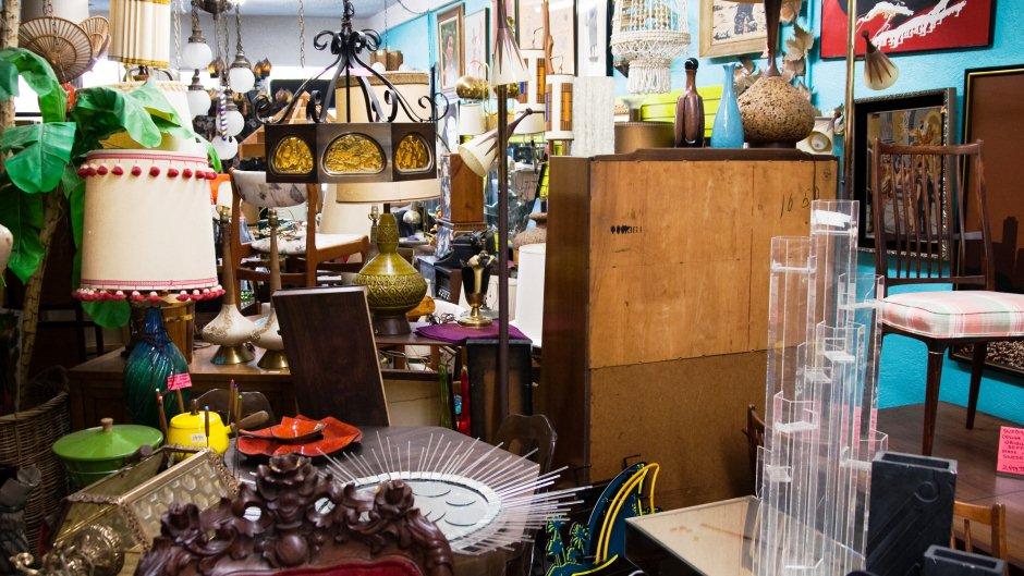 Furnishing An Apartment With Thrift Store Finds  Rentcom