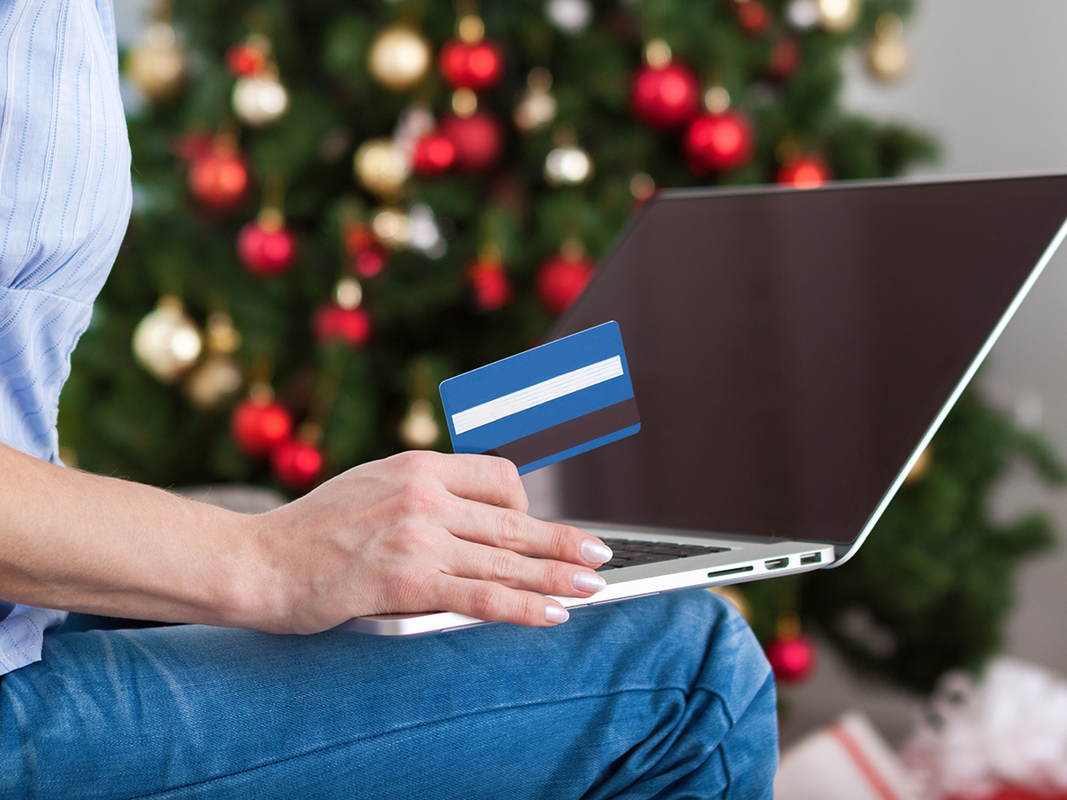 Healthy Spending Habits To Avoid Holiday Stress