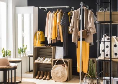 montaje tienda de ropa