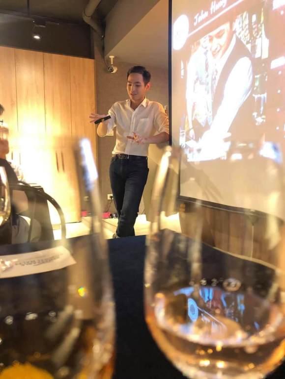 道格拉斯・蘭恩・亞洲區品牌大使  John Hung 洪一中