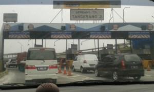 gerbang tol 2000